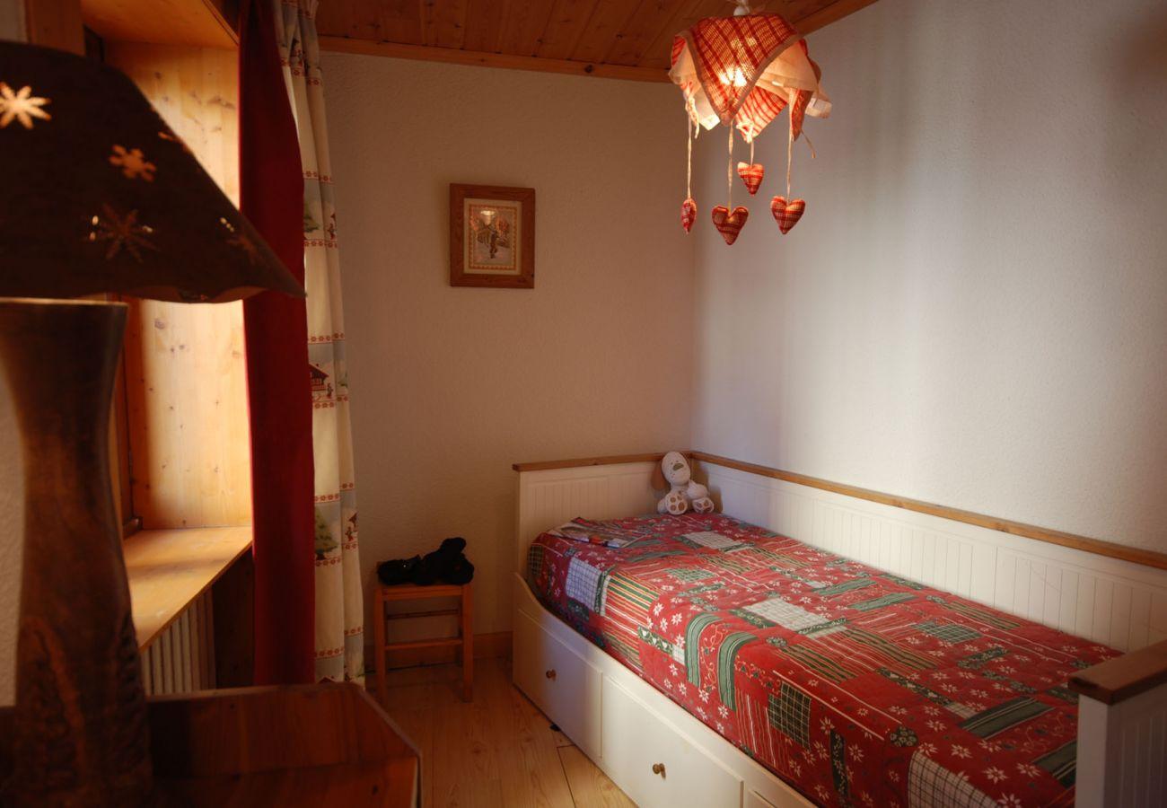 Apartment in Saint-Chaffrey - Appartement Les Chardons