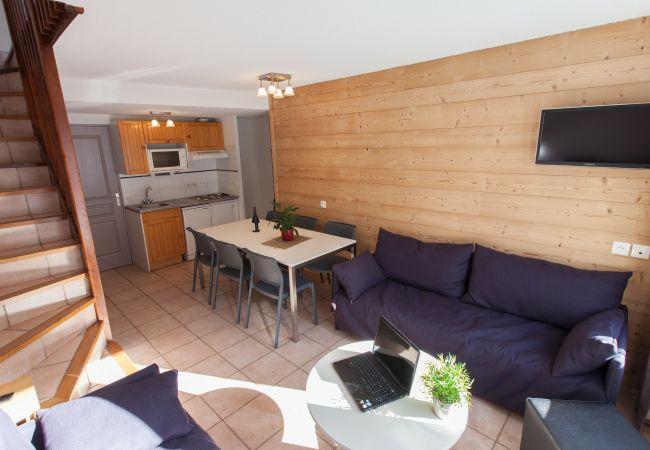 Apartment in La Salle-les-Alpes - Chalet Jardin Alpin 6pers