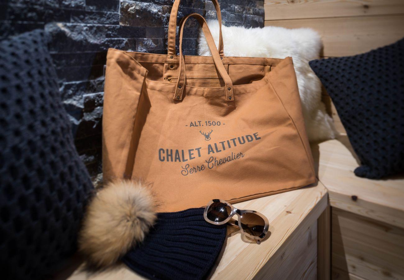 Chalet in Le Monêtier-les-Bains - Chalet Altitude
